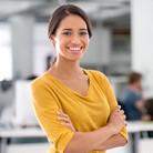 Portrait der jungen Geschäftsfrau