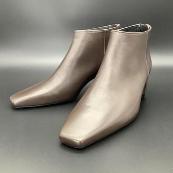 足を3D計測して靴型から作るオーダーメイドブーツ