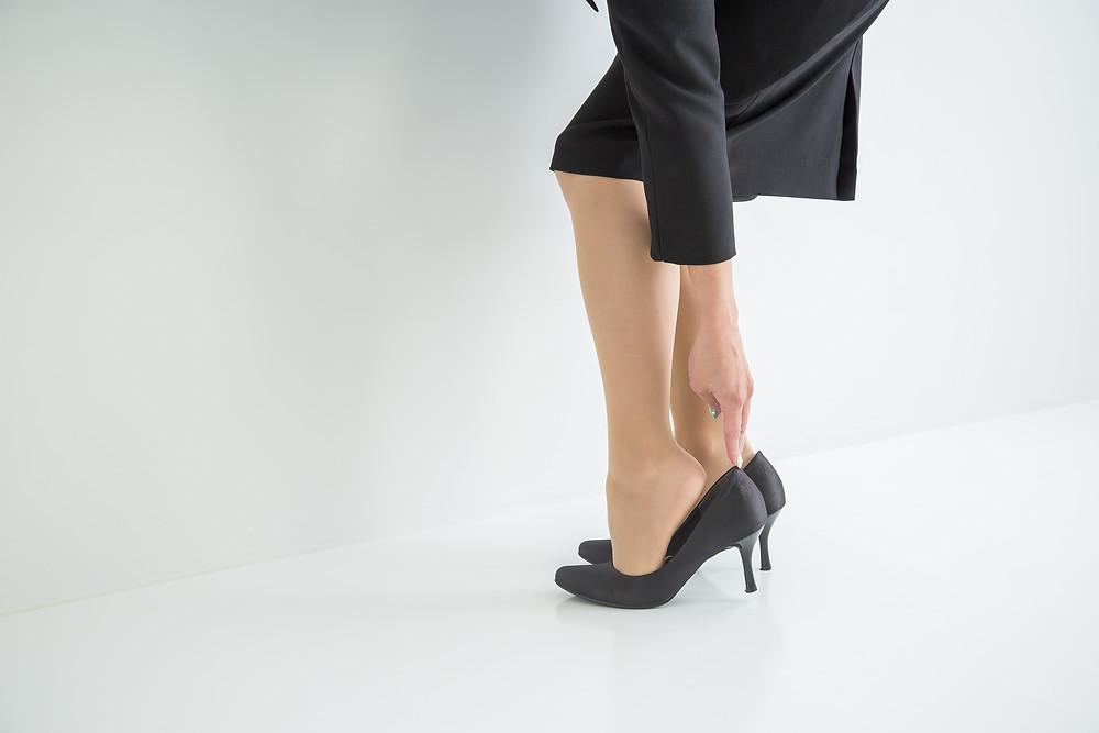 足に合わない靴を履くと体調が悪くなる