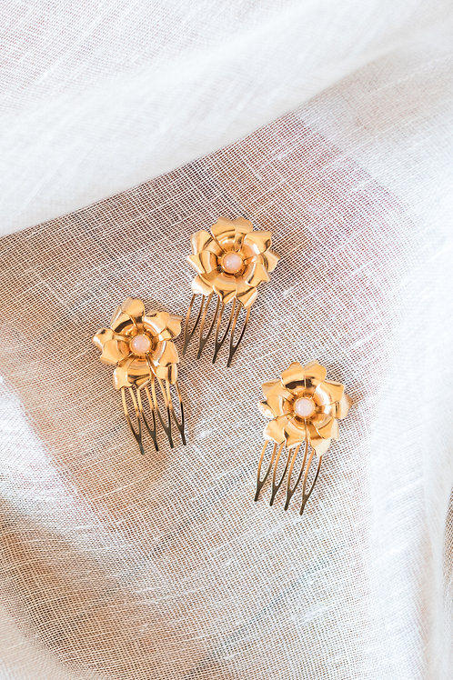 Nelly Flower Hair Comb