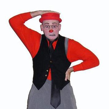 Brian-Foley-clown-circus-coach