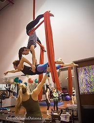 Merle-Harlan-acrobatics-lyra-circus-coach