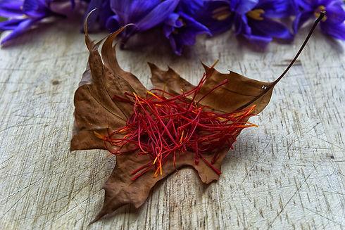 saffron-2835255_1920.jpg