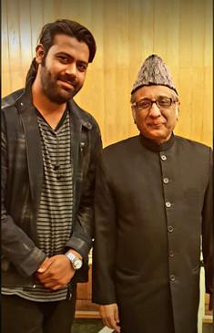 Ustad Iqbal Ahmed Khan Saheb (Head of Delhi Gharana) with Singer Siddhant Pruthi