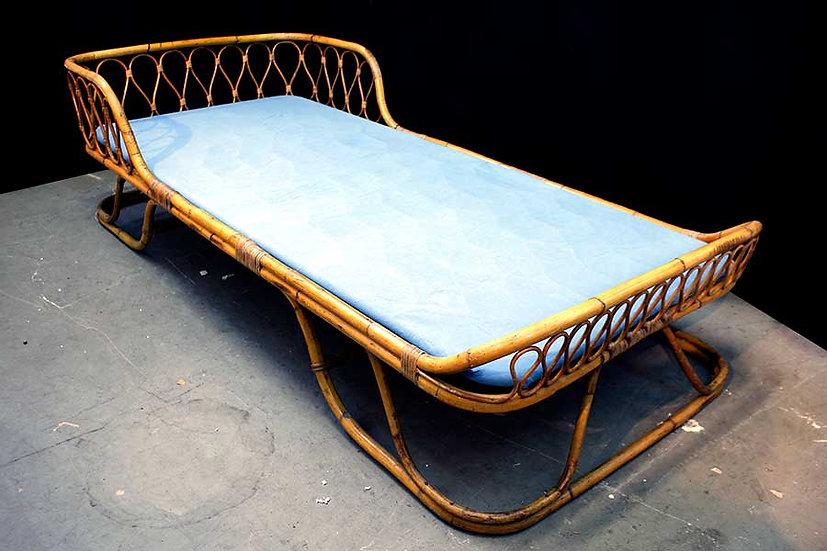 PAIR OF VITTORIO BONACINA BED IN RATTAN