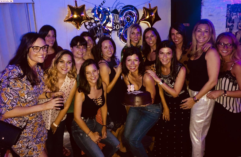 Foto chicas sala dos