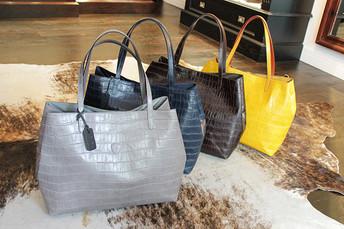 イタリアの名品 FELISI made in italy から秋の新作バッグ届きました !