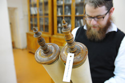 Photo 143 - Lenin Scientific Library - R. Koves Inspecting Torah Library Catalog