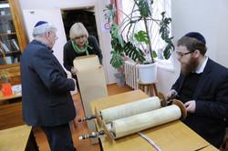 Photo 24 - Lenin Scientific Libraray - Guardian Shows to R. Koves & Sessler the