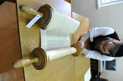 Photo 189 - Lenin Scientific Library - R. Koves Examines Torah Library Catalogue