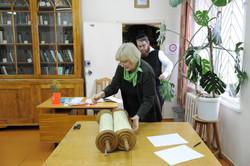 Photo 86 - Lenin Scientific Library - Guardian Bringing Next Torah - YLK_6457.JP