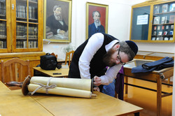 Photo 65 - Lenin Scientific Library - R. Koves Inspecting Next Torah - YLK_6323.