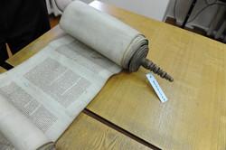 Photo 187 - Lenin Scientific Library - R. Koves Examines Torah Library Catalogue