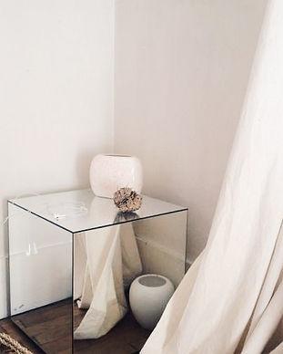 Mesa arrime Cubo espejo.jpg