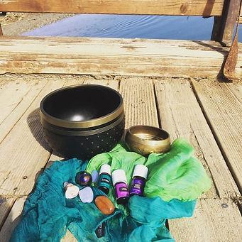 YL Foto  Öle und Klangschale.jpg