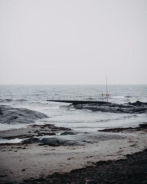 Upplev kallbadhuset, surfing och torghandel i Varberg.