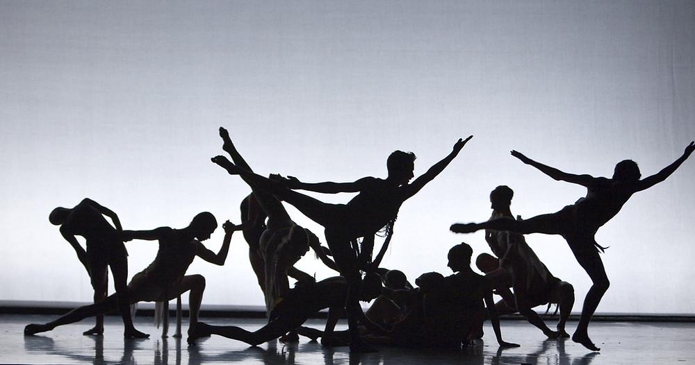 Vorm van wetenschapscommunicatie waarbij onderzoek in dans wordt uitgebeeld.