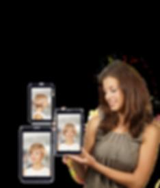 elena-zeigt-tablet.png