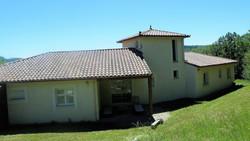 Terrasse couverte à l'arrière