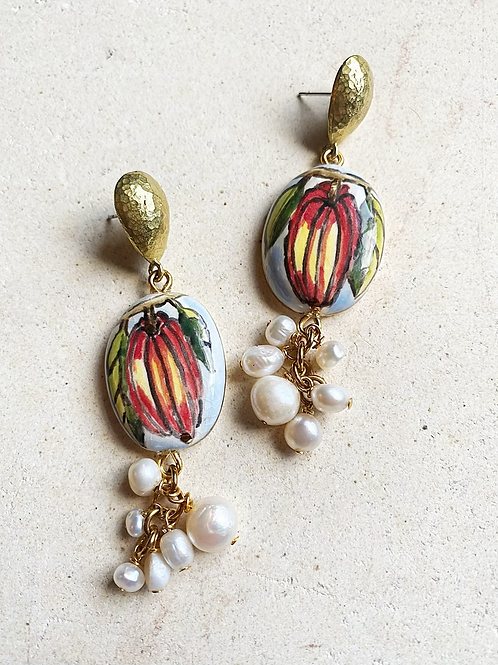Cocoa Pod Mural with Pearl bunch
