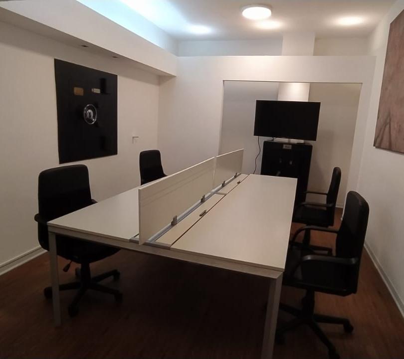 Oficinas de cuatro puestos de trabajo