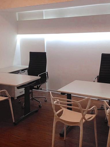 Oficinas de dos puestos de trabajo
