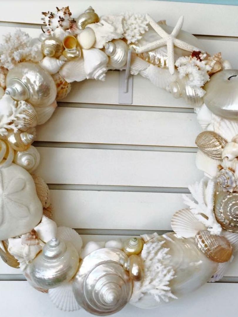"20"" creams and white wreath"