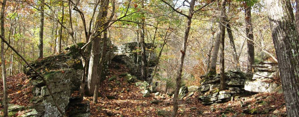 Devil's Den Trail