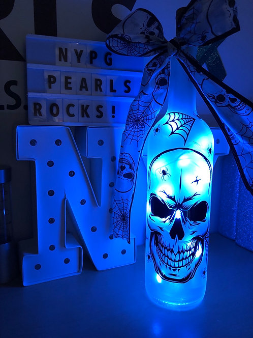 Skull bottle light