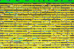 Bright Yellow Edificio Residenziale