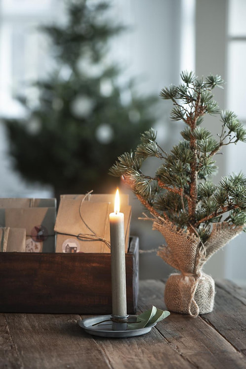Simplicity Candle Holder