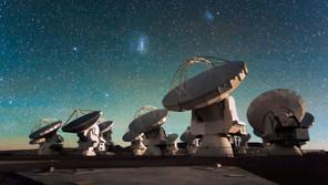 ¿Sabías que los telescopios móviles de Alma proporcionaron la primera foto de un agujero negro?