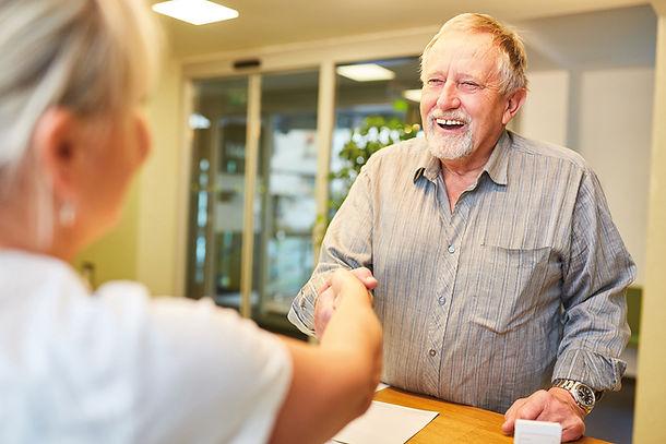 Glücklich Leben im Alter. Seniorenwohnen NRW