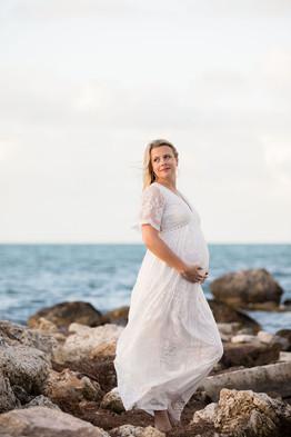 Faro Blanco | Halie Maternity