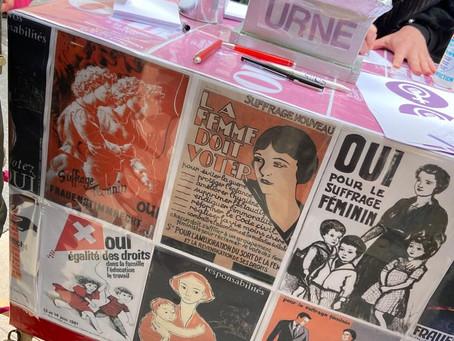 Vœux des femmes exprimés dans les rues de Neuchâtel à l'occasion des 50 ans du suffrage féminin