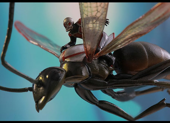 Hot Toys MMSC003 ANT-MAN ON FLYING ANT MINIATURE COLLECTIBLE