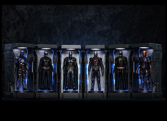 Hot Toys VGMC015 BATMAN: ARKHAM KNIGHT BATMAN ARMORY MINIATURE