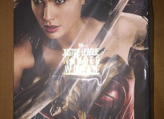 Hot Toys MMS451 JUSTICE LEAGUE 1/6 WONDER WOMAN (DELUXE VERSION)