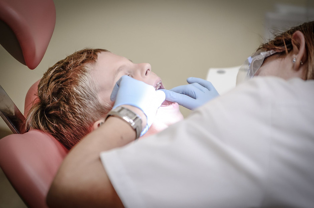 how to help kids at the dentist