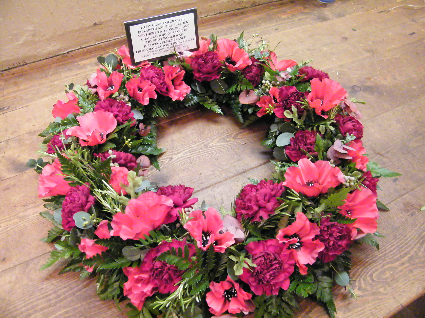 Wreath in red