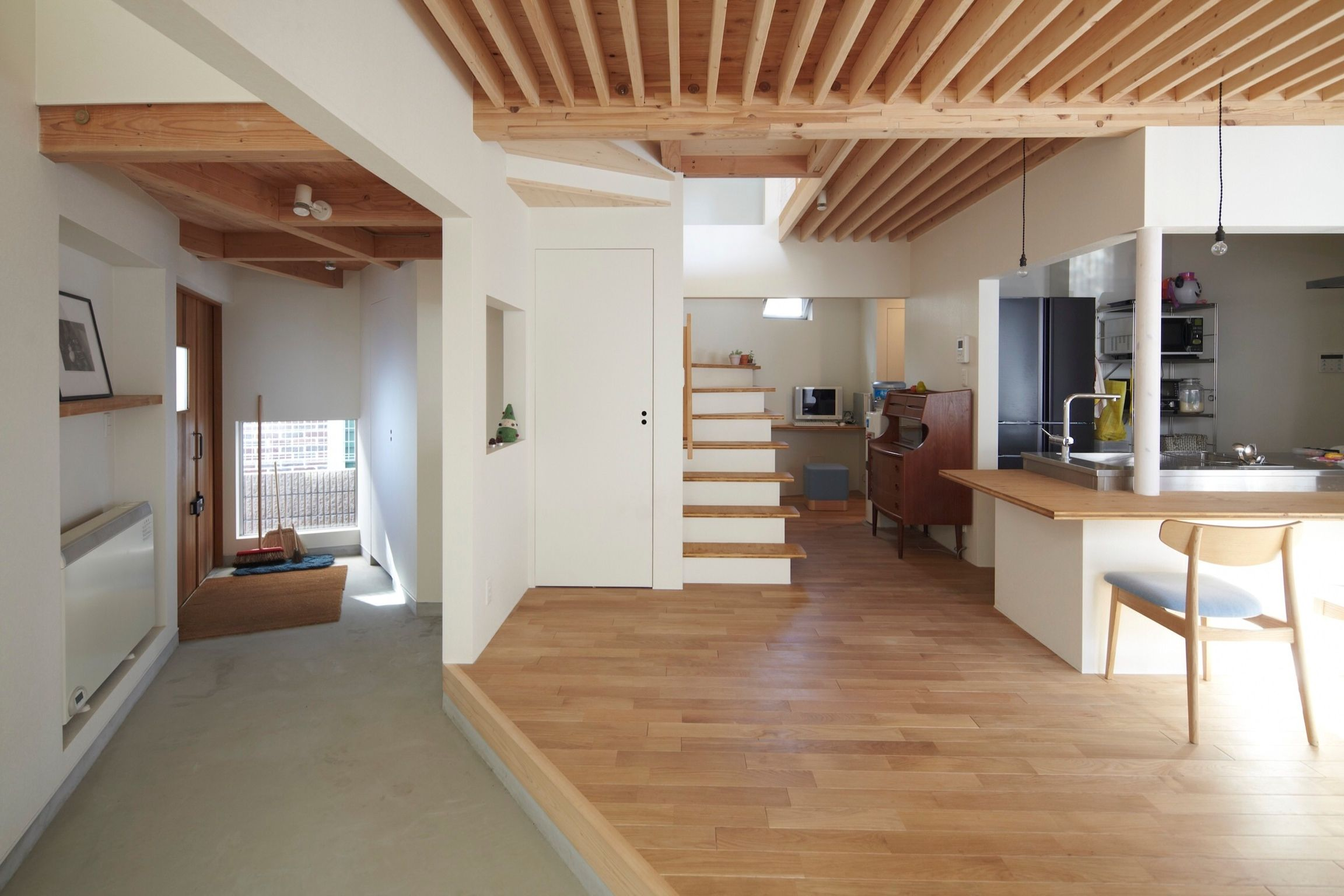 HOUSE IN AOBA