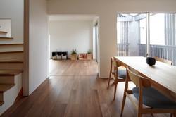 HOUSE IN MYORENJI