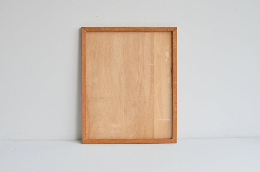 木工作家の古い木製の額