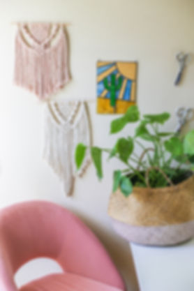 aquariust_macrame_wall_hanging_avocado_w