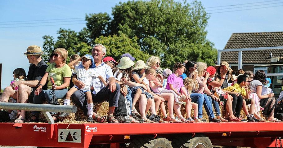 Trailer Farm Day .jpg