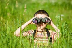 kid w binoculars