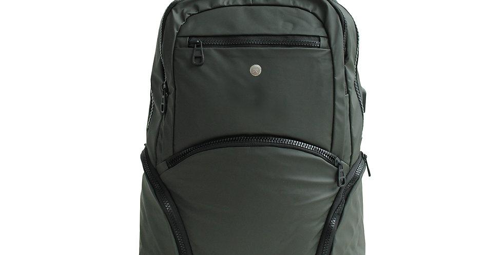 Garmut backpack กระเป๋าเป้กันน้ำ รูเสียบชาร์จแบต