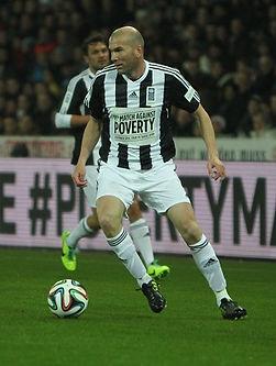 Football_against_poverty_2014_-_Zidane_(