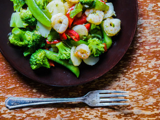 Broccoli and Red Pepper Stir Fry with Cashews