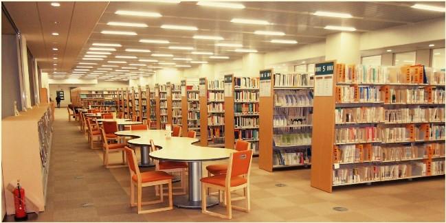 図書館2階